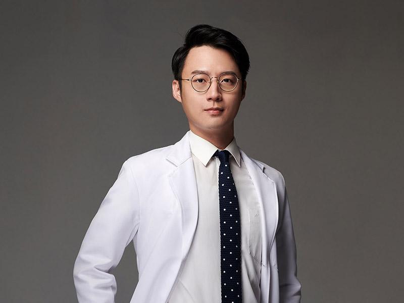 徐顥-醫師-m