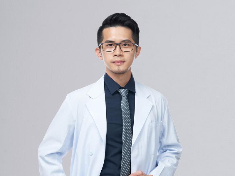 許哲尹-醫師-m