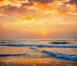 sunrise-on-beach-ER5J7L8