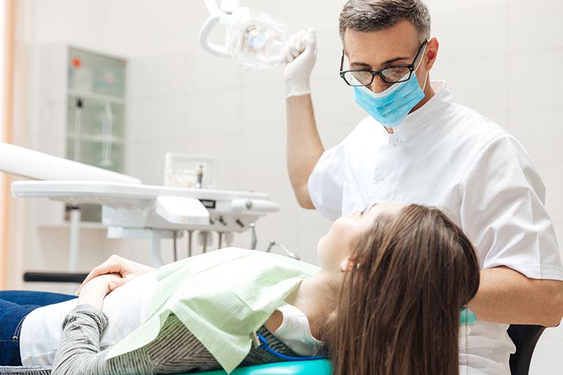 植牙後保養才是最重要的,別以為植完牙就沒事